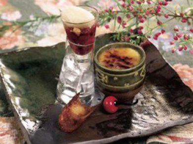 Crème brulée à l'érable, nage de framboises à l'érable, streusel et granité au Val Ambré