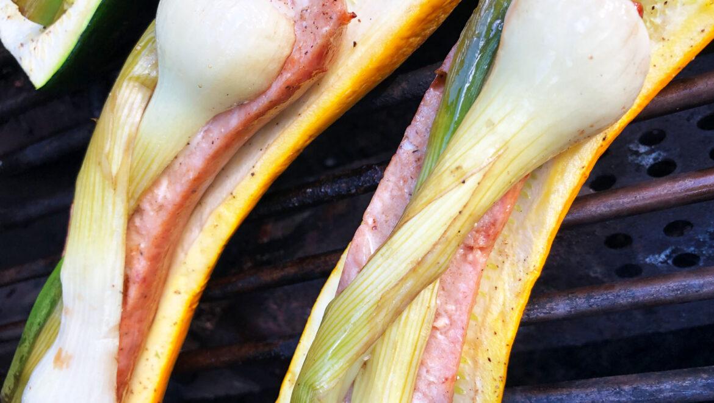Courgettes et saucisses côte levée